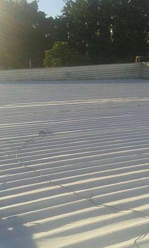 Manutenção de telhados industriais